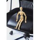 관절인형과 의자 8