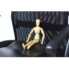 관절인형과 의자 26