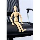 관절인형과 의자 48